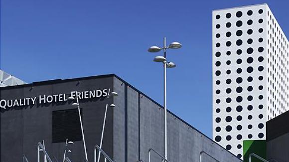 Höstmöte 2013 går av stapeln på Friends arena, ingång via Quality Hotel Friends (ta sikte på den prickiga byggnaden)