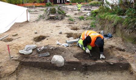 Arkeologisk undersökning i Gamla Uppsala 2012.