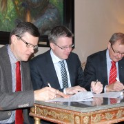 Överenskommelsen med Västernorrland undertecknas