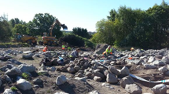 Arkeologisk undersökning av gravfält och bytomt i Skiftinge, Eskilstuna 2013
