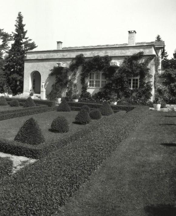 En del av trädgården vid Muramaris