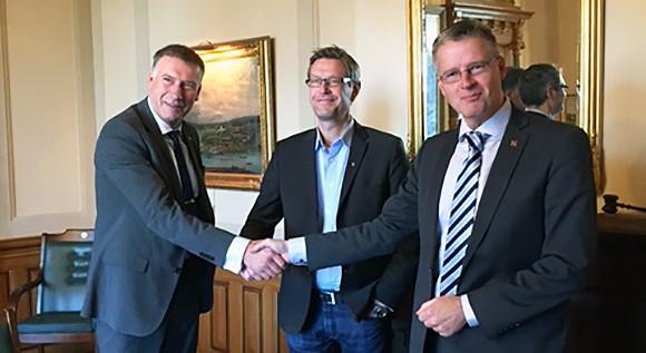 Överenskommelse om utvecklingssamverkan, Timrå. Från vänster: landshövding Gunnar Holmgren, landstingsråd Erik Lövgren och riksantikvarie Lars Amréus.