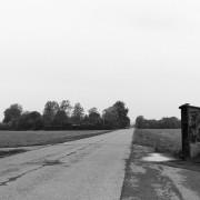 Mot nya mål. En busshållplats som inte längre används, i trakterna kring Staffanstorp, Skåne. Vad tar vi med oss in i framtiden? Regeringens regleringsbrev för 2016 pekar ut riktningen.