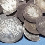 Unik silverskatt från vikingatiden, bestående av ca 450 silvermynt.