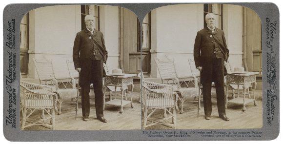 Oscar II vid Rosendals slott i Stockholm. Stereofotografi från 1904.