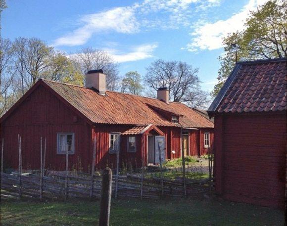 Besök Härkeberga Kaplansgård som håller öppet under flera av Kulturarvsdagarna.