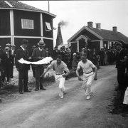 Tävling vid Tunnelfesten den 26 juni 1932.