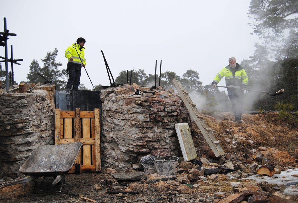 Vid Byggnadshyttans kalkugn i Rings, Hejnum, Gotland.