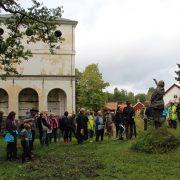 I Vällnora bruk hölls en natur och kulturhistorisk guidning under Kulturarvsdagen av Knutby-Faringe-Bladåkers hembygdsförening. Ca 50 personer deltog.
