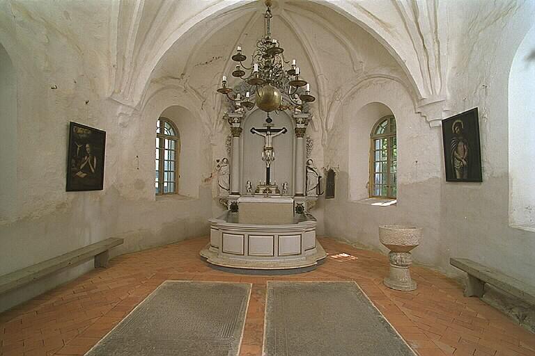 Antikrundan värderar kyrkliga inventarier