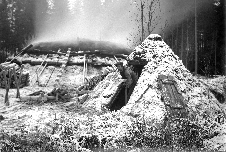 Skogarnas svarta hemligheter − kulturhistoriska skatter