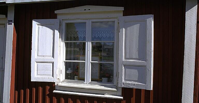Bevarade originalfönster betyder mycket för upplevelsen och intrycket av en byggnad.