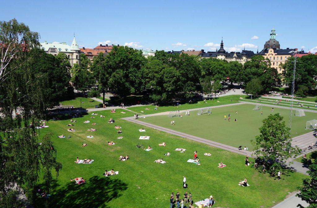 Bild på parkmiljö, Vasaparken i Stockholm som är en typ av gestaltad livsmiljö.